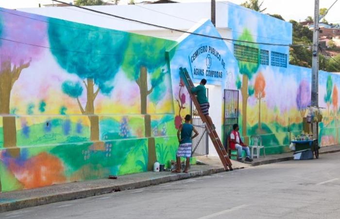 Cemitério público de Águas Compridas, em Olinda, ganhou pintura especial. Foto: Divulgação
