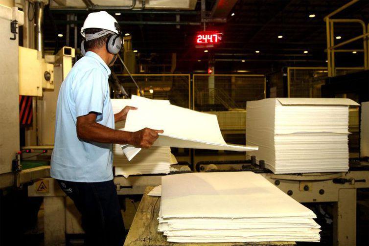 Consumo de energia nas indústrias aumentou 1,2% em setembro e caiu 1,2% no comércio e 0,8% nas residências. Foto: Arquivo/Amanda Oliveira/GovBA