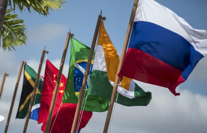 Bandeiras dos países que fazem parte da Brics. Foto: Marcelo Camargo/Agência Brasil