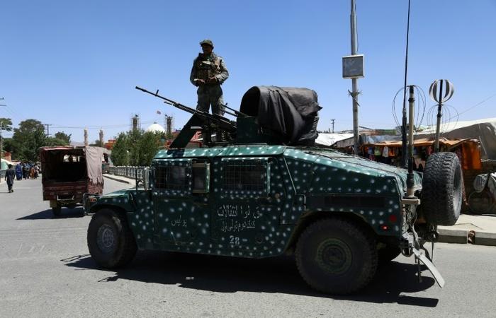 Tanque do Exército afegão em 14 de agosto de 2018 - AFP