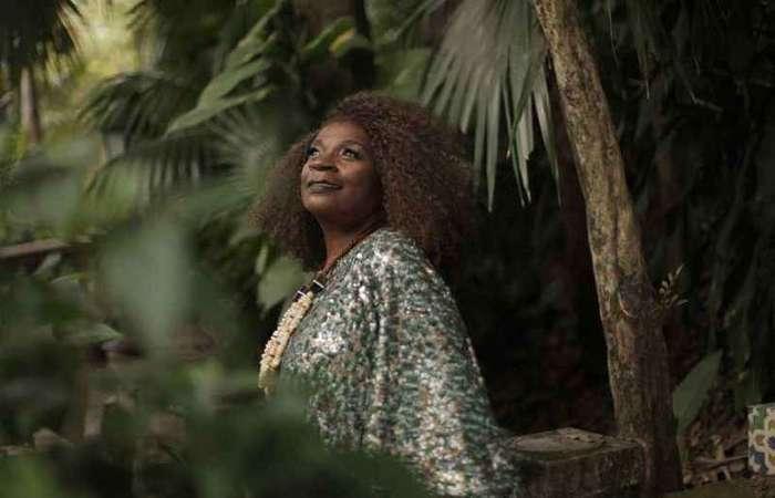 Em 'O samba mandou me chamar', Zezé Motta grava bambas do ritmo e compositores novatos (foto: Steph Munnier/Divulgação)