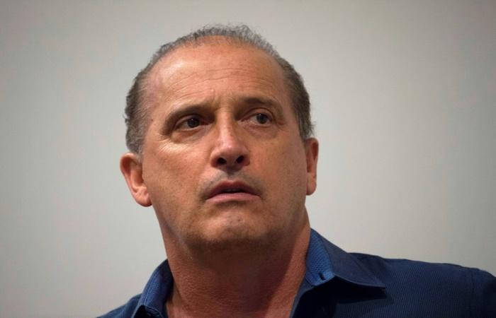 Lorenzoni disse que Bolsonaro conversará com o presidente Michel Temer na quarta-feira (7) e falará com a imprensa após o encontro. Foto: Arquivo / AFP