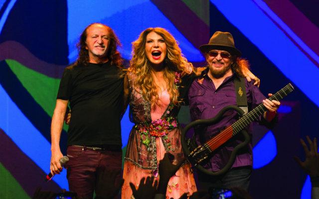 O trio fará o encerramento da festa. Foto: Marcos Hermes/Divulgação.