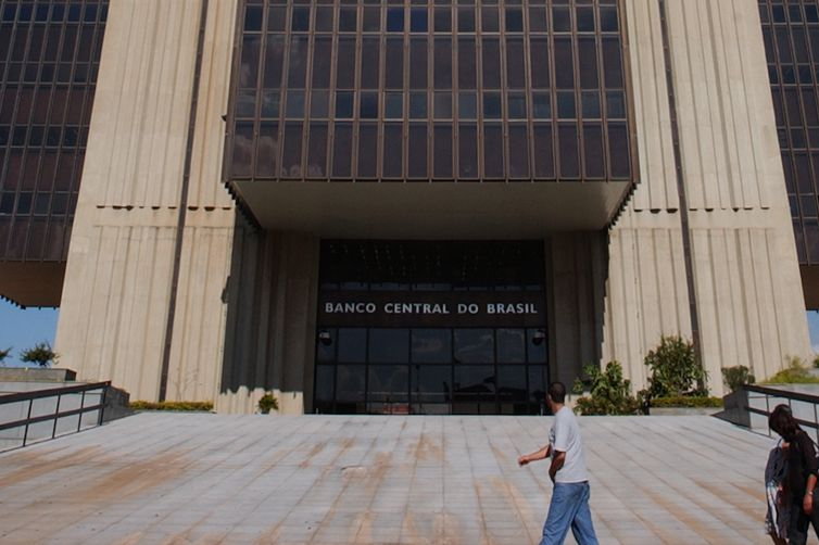 Passadas as eleições, Banco Central destacou que diminuíram as incertezas para a economia brasileira, com redução de preços de ativos, como o dólar. Foto: Arquivo/Wilson Dias/Agência Brasil