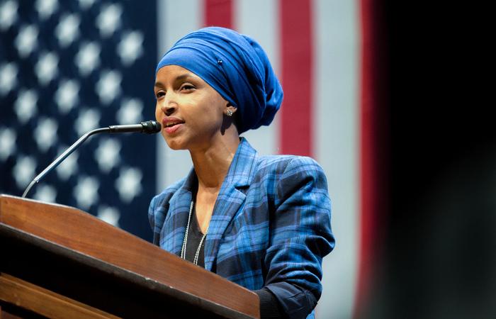 A muçulmana Ilhan Omar ocupará um dos assentos na Câmara de Representantes dos EUA. Foto: Reprodução/Lorie Shaull/Flickr