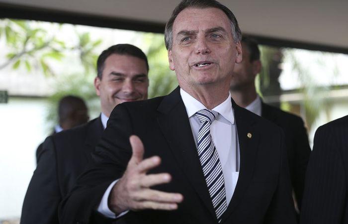Resultado de imagem para Bolsonaro sobre Monteiro na Petrobras: 'Tem que falar com nosso Posto Ipiranga'