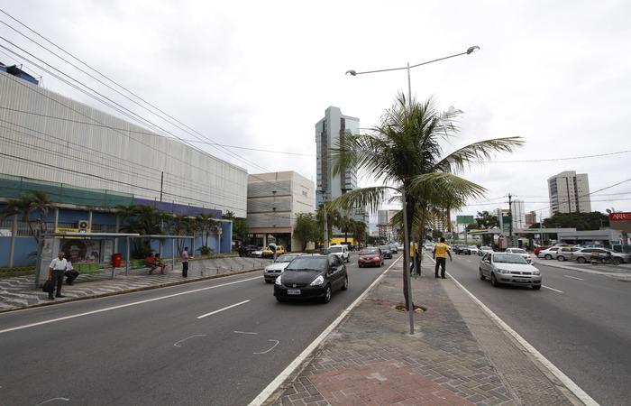 Avenida Antônio de Góes - Foto: Ricardo Fernandes/DP