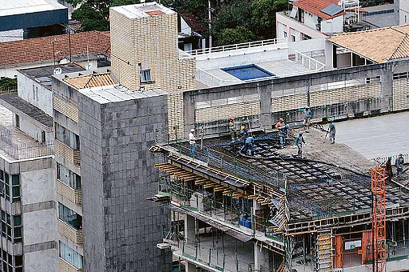Obras prediais devem ser retomadas no primeiro semestre do ano que vem, com abertura de postos de trabalho. Foto: Gladyston Rodrigues/EM/D.A Press