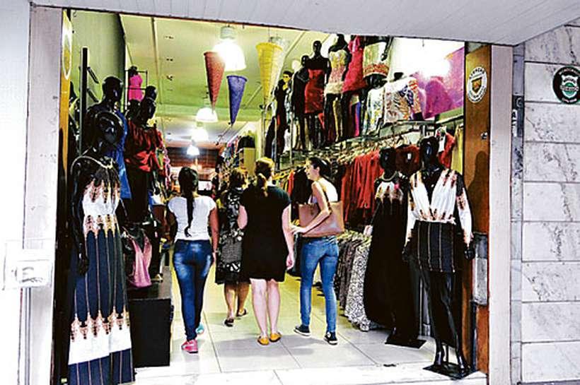 No varejo, a perspectiva de reaquecimento da economia anima empresários a investir em novas lojas e na ampliação das contratações. Foto: Gladyston Rodrigues/EM/D.A Press