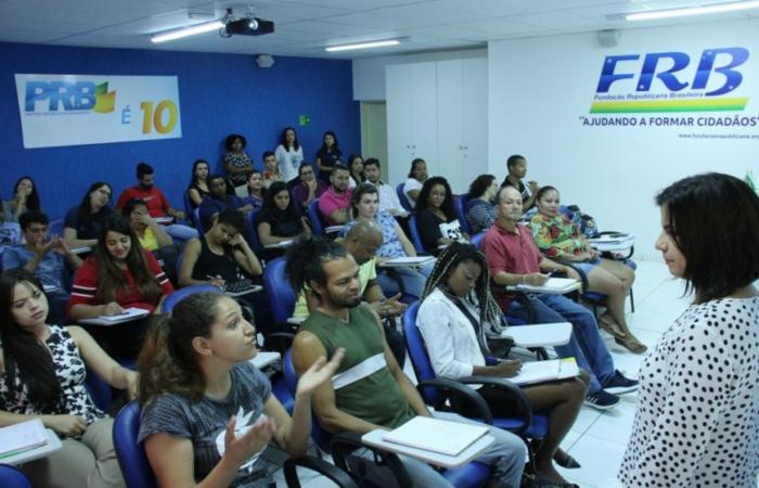 De centro-direita, o PRB apoia o projeto Escola sem Partido, uma bandeira de campanha do presidente eleito. Foto: FRB/Divulgação. (De centro-direita, o PRB apoia o projeto Escola sem Partido, uma bandeira de campanha do presidente eleito. Foto: FRB/Divulgação.)