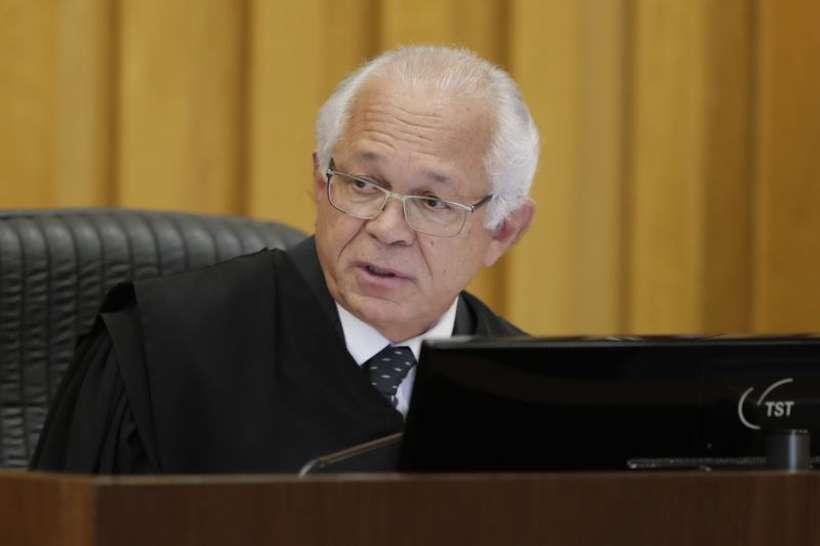 O presidente do TST, ministro Brito Pereira, não acredita que haja relação entre a queda no número de ações e o pagamento por parte dos perdedores. Foto: Fellipe Sampaio/Secom-TST