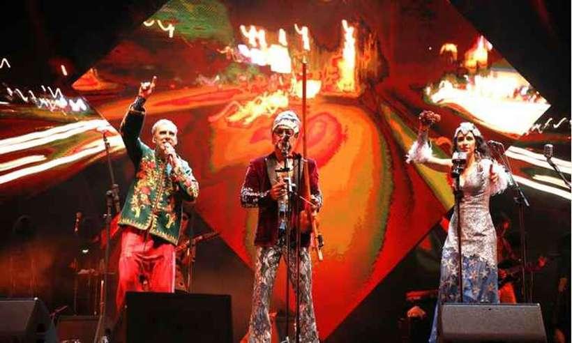 O trio é formado pela carioca Marisa Monte, pelo baiano Carlinhos Brown e pelo paulista e Arnaldo Antunes. Foto: LeoAversa/Divulgação