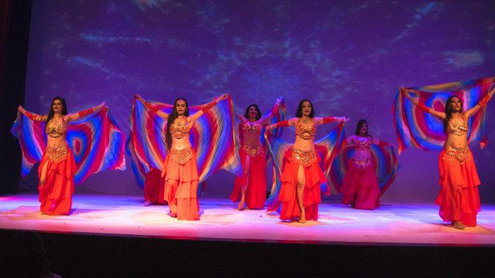 Entre os destaques, estão a Cia Veridiana Melo de Danças Árabes, a bailarina Ju Marconato e a profissional argentina Mariela Hárung. Foto: Simone Mahayla/Divulgação