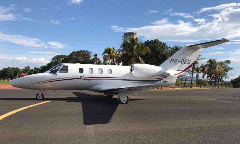 Foto que circula nas redes sociais mostra aeronave envolvida no acidente Foto: Reprodução da internet/WhatsApp