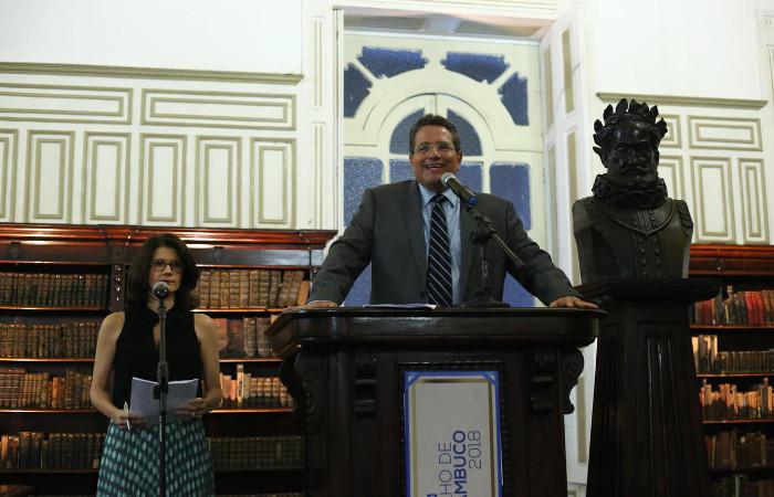 O presidente Alexandre Rands e a vice-presidente de conteúdo. Foto: Camila Pífano/Esp DP