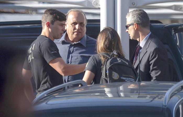Pezão chega à sede da PF. Foto: Mauro Pimentel/AFP