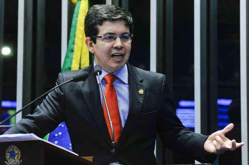 Randolfe Rodrigues, da Rede, renunciou à 'farra com dinheiro público'. Foto: Geraldo Magela/Agencia Senado