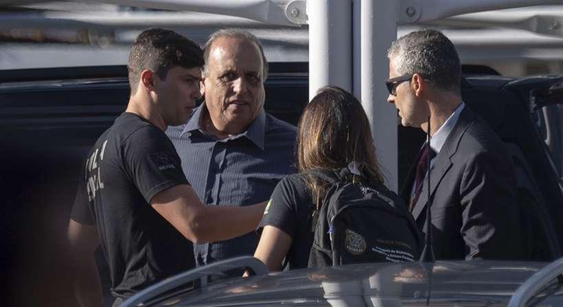 Além de Pezão, acusado de chefiar uma organização criminosa especializada na lavagem de dinheiro, entre outros crimes, outras oito pessoas foram alvos de mandados expedidos pela Justiça. Foto: Mauro Pimentel/AFP