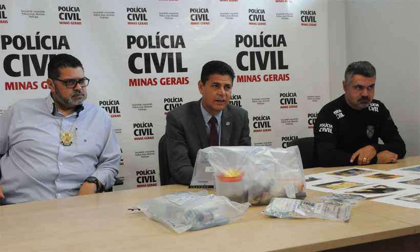 Delegado Wagner Pinto (ao centro): perfil de universitário traficante surpreendeu. Foto: Paulo Filgueiras/EM/DA Press