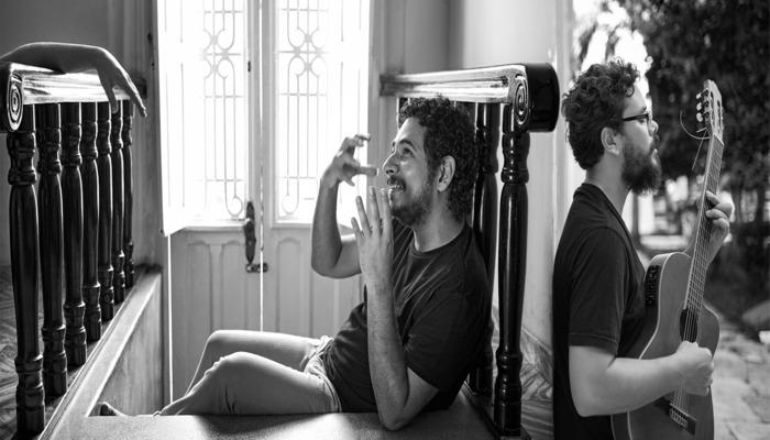 Para a abertura, a casa escalou os cantores Juliano Holanda e PC Silva, dois nomes da música contemporânea. Foto: Divulgação