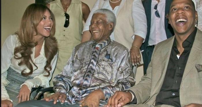 Beyoncé e o marido Jay-Z conheceram Mandela em 2004. Foto: Reprodução do Facebook.