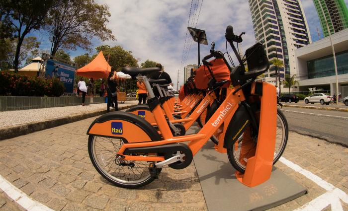 Bike PE instalou diversas estações na Região Metropolitana do Recife. Foto: Bike PE/ Divulgação