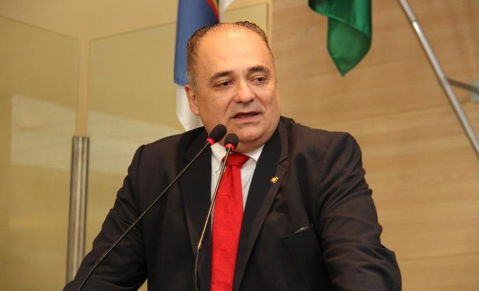 Maurco Aurélio (PRTB) é do mesmo partido do general Mourão. Crédito da Foto: Câmara do Recife/divulgação