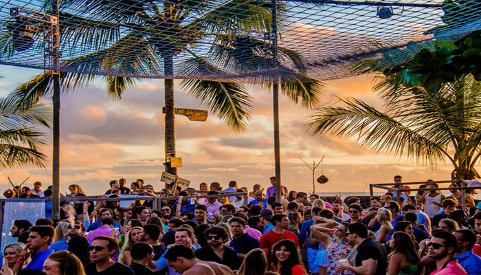 Funcionando no formato open bar, a festa vai contar com diversas ilhas de drinks, bem como mesa de frios com assinatura do bufê Arcádia. Foto: Divulgação