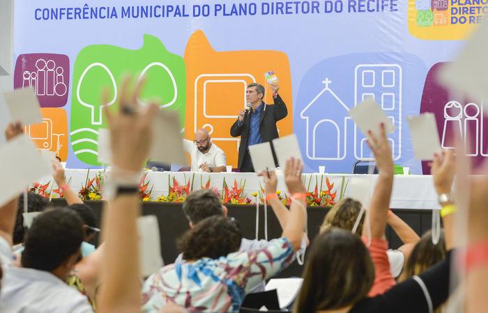 Debates com a população foram realizados ao longo de seis meses, culminando com a Conferência Municipal do Plano Diretor. Foto: Wesley D'Alemida/PCR/Divulgacao