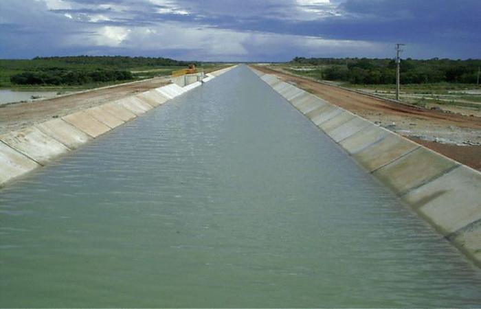 Vista geral do canal de transposição do Açude Castanhão, no Ceará. Foto: Divulgação/Ministério da Integração Nacional
