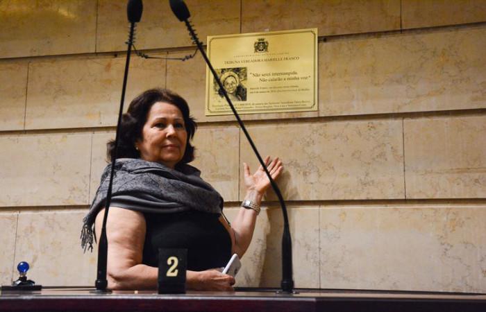 A  vereadora  Teresa  Bergher,  uma  das  autoras  da proposta  que  deu  o  nome  de  Marielle  Franco  à  Câmara  Municipal  do  Rio  de  Janeiro. Foto: Julia  Maia/Divulgação/Câmara  Municipal  do  Rio  de  Janeiro