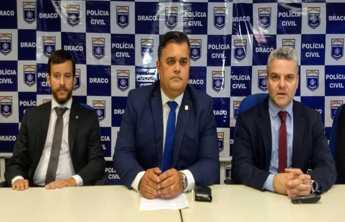 Promotor Bruno Lemos, delegado Joselito Kerle e o diretor de operações estratégicas da Sefaz, Cristiano Dias. Imagem: PCPE/Divulgação
