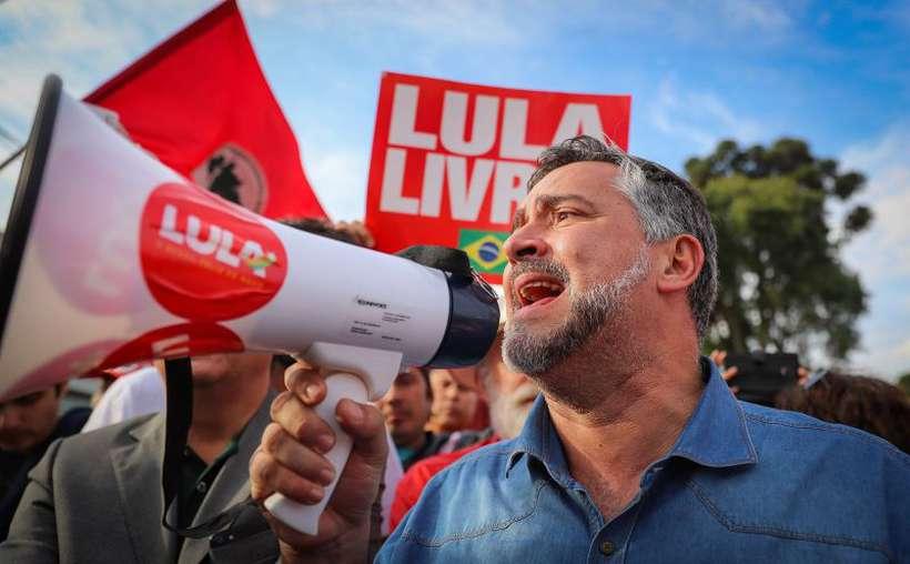 Deputado Paulo Pimenta na Vigília Lula Livre, em Curitiba. Foto: Ricardo Stuckert/Instituto Lula