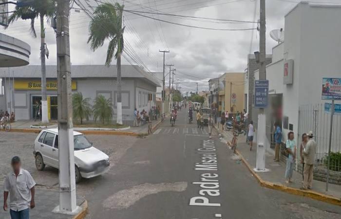 Tentativa de assalto ocorreu em rua onde duas agências bancárias estão a poucos metros. Foto: Reprodução/Google Street View