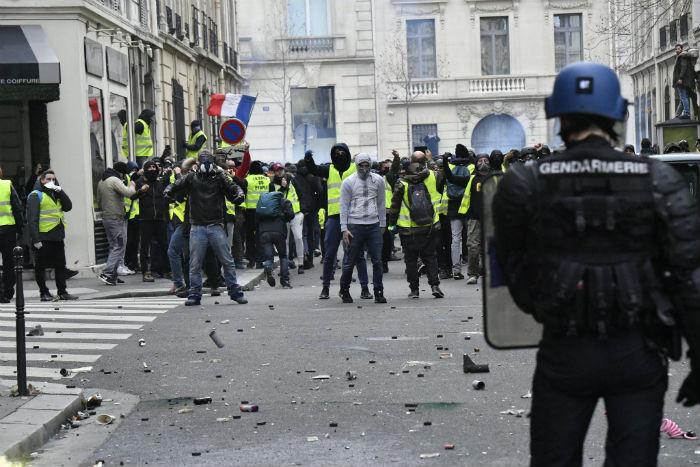 Pelo menos 8 mil pessoas participaram dos protestos em Paris. Foto: Ministère de l'Intérieur/Divulgação.