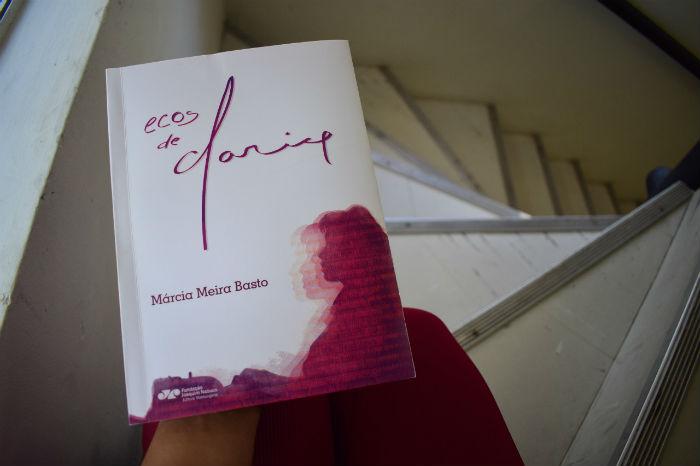 O escritor Raimundo Carrero escreveu o prefácio do livro. Foto: Fundaj/Divulgação.