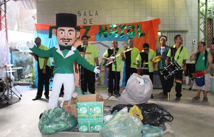 Vários donativos foram doados na tarde desta terça-feira. Foto: Francisco Jr./Divulgação