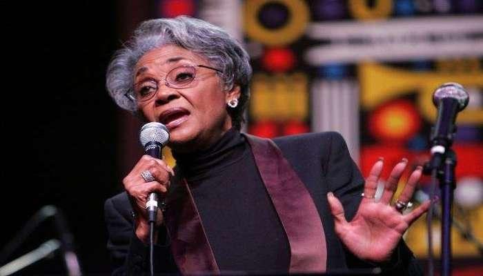 Nancy Wilson também foi marcada pelo ativismo em busca de direitos raciais. Foto: AFP Photo