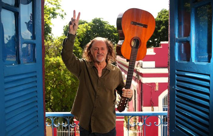 Nos Estados Unidos, onde descobriu seu talento, ele já foi chamado de Bob Dylan brasileiro. Hesíodo Goes / Esp. DP