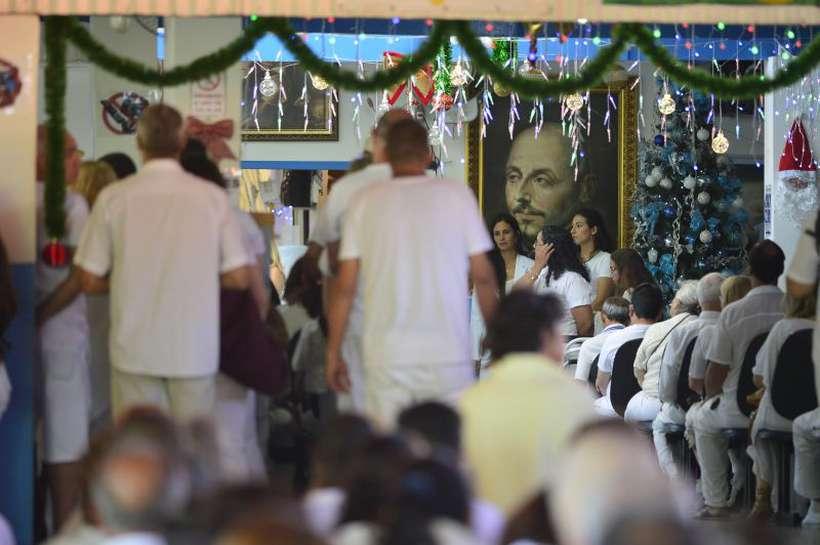 Movimentação de pessoas na casa Dom Inácio de Loyola, em Abadiânia, onde o médium João de Deus atende. Foto: Marcelo Ferreira/CB/D.A Press