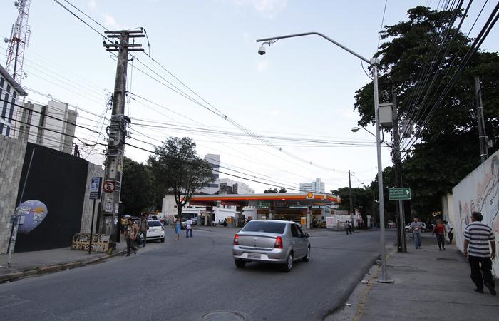 Acidente aconteceu na Rua Fernandes Vieira, Centro do Recife - Foto: Ricardo Fernandes/DP/D.A Press