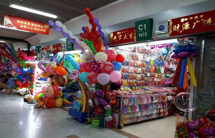 Galeria de lojas na cidade chinesa de Ywu. Foto: Ana Cristina Campos/Arquivo Agência Brasil