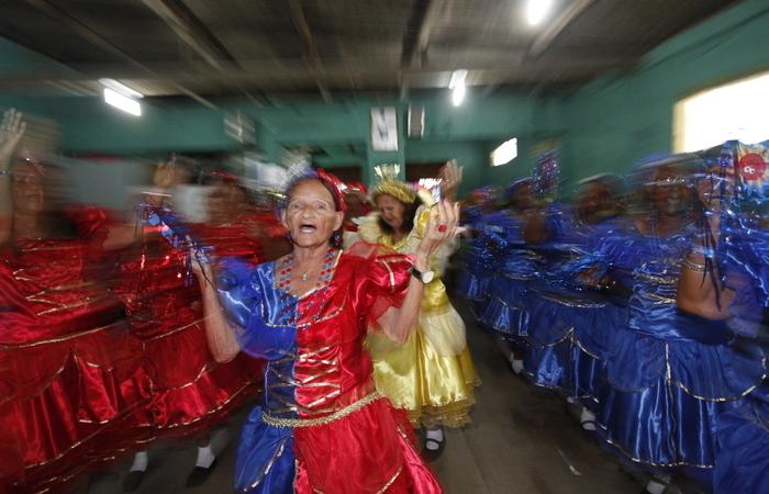 Encantamento do religioso resiste com grupos para apresentações natalinas. Foto: Ricardo Fernandes/DP/D.A Press
