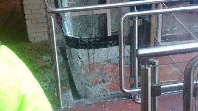 Há brasileiros entre os feridos no acidente. Foto: Reprodução do Twitter.
