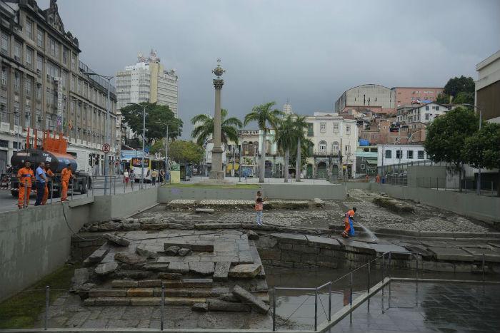 Limpeza do Cais do Valongo. Tânia Rego - Agência Brasil