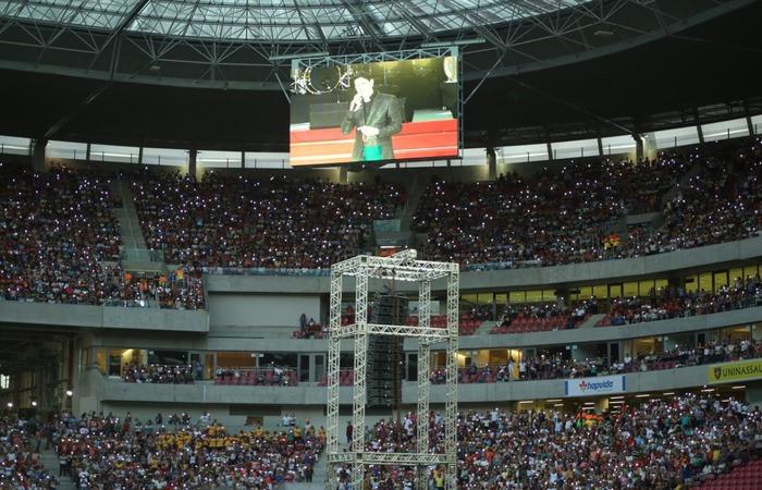 Arena Pernambuco ficou lotada de fiéis que acompanharam, no mês passado, as homenagens aos 28 anos da Comunidade Obra de Maria. Imagem: Divulgação