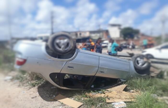 Acidente ocorrido nesta terça, na BR-101, em Jardim São Paulo, no Recife. Imagem: PRF/Divulgação