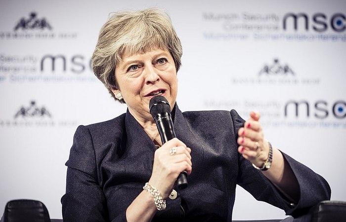 May afirmou que segue trabalhando para obter mais garantias da UE. Foto: Wikipedia / Reprodução