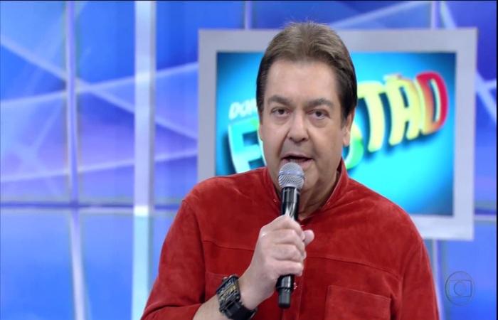 O comunicador celebrou os trinta anos de programa. Foto: Reprodução/TV Globo