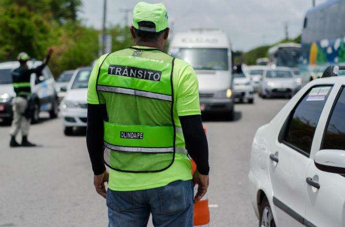 O fluxo no sentido Janga/Rio Doce continua normalmente com tráfego misto. Foto: Prefeitura de Olinda/Divulgação.